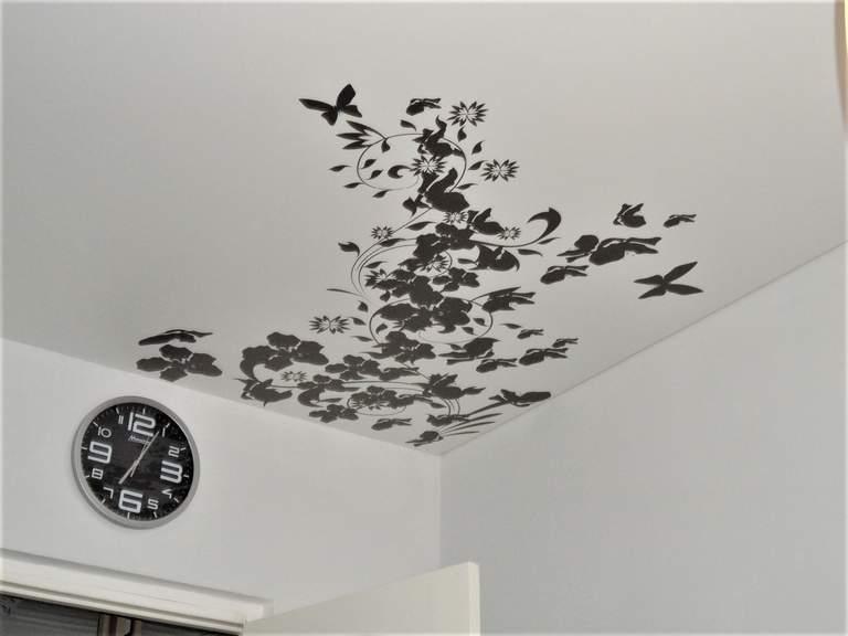 Наклейки маленькие бабочки на стену пластик закрыть дырки